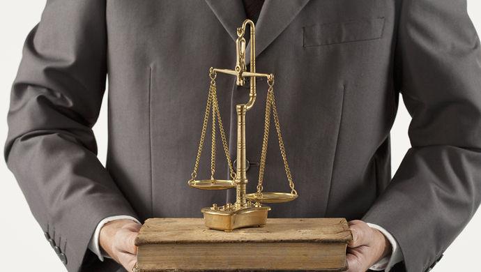 代理申诉律师的角色定位