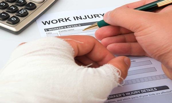 工伤保险待遇扣掉个人所得税合法吗?