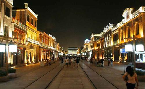临街商铺欧式风情夜景