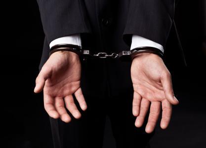 李锦莲冤假错案案坐18年牢,国家该怎么赔偿?