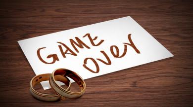 无共同财产离婚起诉书怎么写