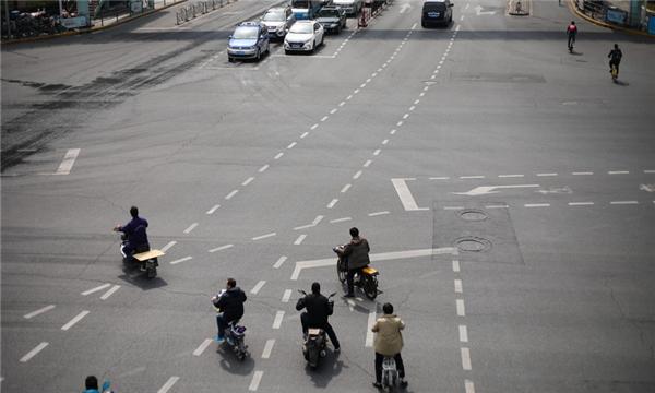 行人构成交通肇事罪的情形有哪些