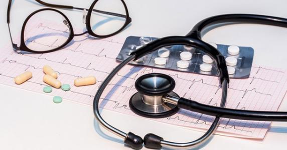 医疗费用报销需要哪些手续