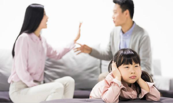 诉讼离婚时孩子的抚养权一般会怎么判?该怎样争取抚养权?