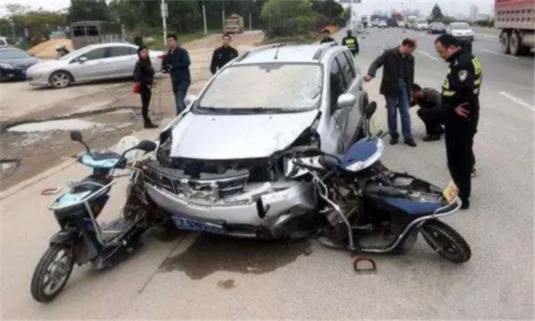 电动车与汽车相撞交通事故责任认定