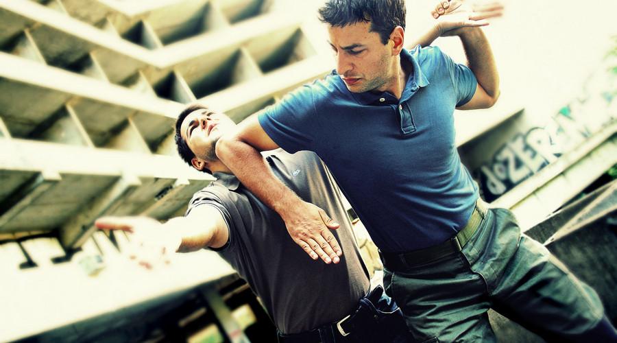 昆山街头砍人案属于正当防卫吗