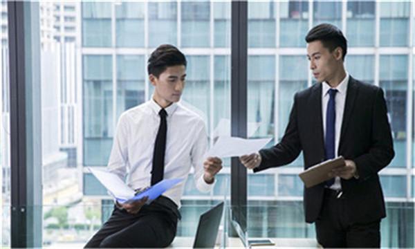 企业与员工签劳动合同注意事项