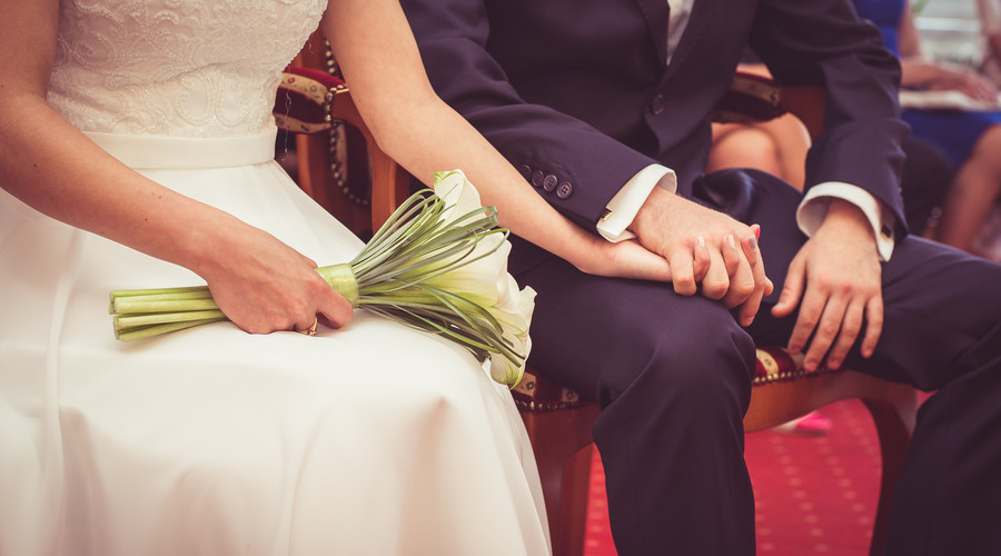 離婚被告通知后不到庭怎么辦