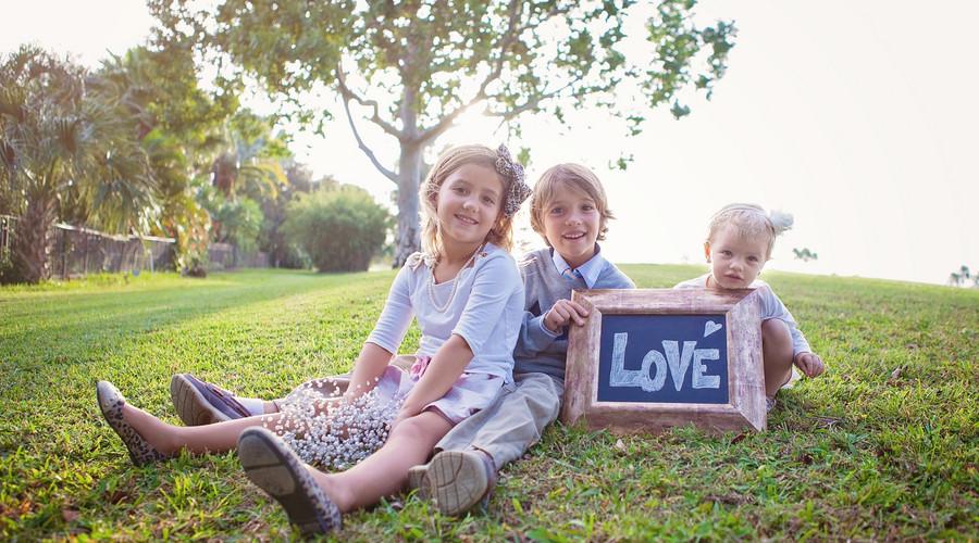 法院起诉离婚3孩子抚养权判给谁