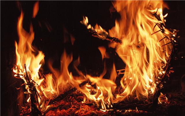 清明期间多人违规用火引发火灾,放火罪的量刑标准