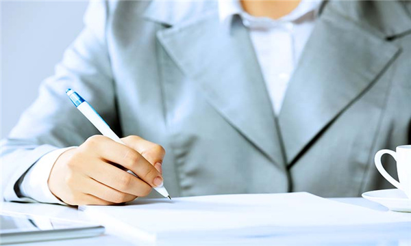 员工要求签固定期限劳动合同吗